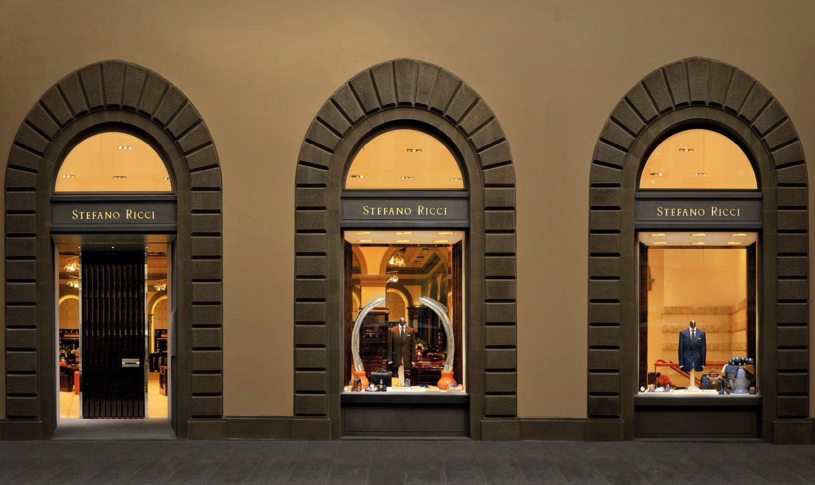 FLORENCE FLAGSHIP STORE